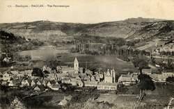 Quelques vues anciennes sur les villages de la vall&eacute&#x3B;e de la Dordogne, avec des photos actuelles en regard.