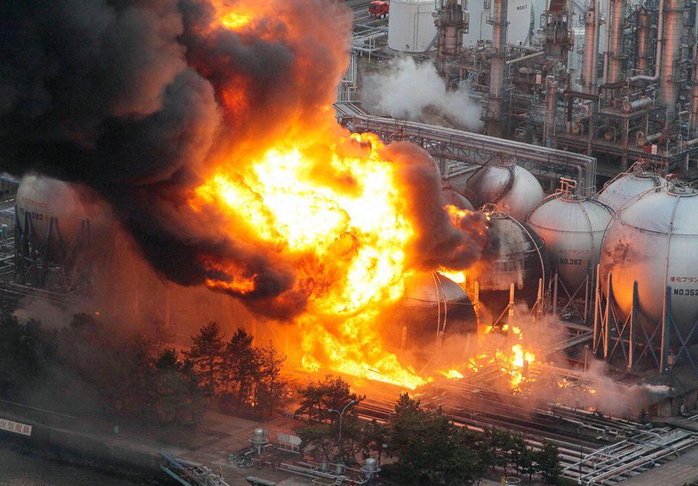 les terribles images du tsunami au Japon 2011