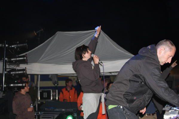 le 3 Mai 2008 près d'AUBENASJEFF23, IXINDAMIX, CRYSTAL DISTORTION, 69DB, MC TABLLOYD, Zone RADIOAKTIVE, FEENIX13 VJ, VJ NAD et LILA et le public cool et deguisé