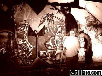 Electromind06 lectromind - Monde des Lumieres- Hiphop et Techno-Slum Village-Dj premier-Pete Rock-Hearttrob-Ritchie Hawtin-Anthony Rother-Technasia-VJ &amp&#x3B; Vjing-Xray Concept-KaXray-Pixray-Zero-Julie Meitz-Monde Vegetal-Andy C - Elisa do Brasil-MC Dynamite-Aphrodite-Futur Prophecies-VJ EMTV-VJ le Collagiste-VJ LeBranchu-G-moMonde des Glaces-Ellen allien-AlterEgo-David Caretta--Dave Clarke-Andrew Weatherall-Trentmoller Live-Joris Voorn-VJ ZedXray-VJ Citron Rouge-VJ Tofsan-Monde des Tenebres - ha