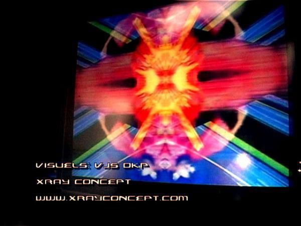Electromind 2005 - VJs : Starsk et Xray Concept - DKP Crew-Tekno-events-Vjing-Hardtek-drum and bass - Electro - Andy C-Spiral tribe-Ixindamix-Crystal Distorsion-69DB-Anthony Rother-Rykkks-Pixray-Kaxray-ZedXray
