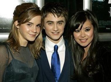 Voil&agrave&#x3B; des photos de Daniel Radcliffe, Emma Watson et Rupert Grint. Mais on peut aussi voir Katie Leung et Tom Felton.