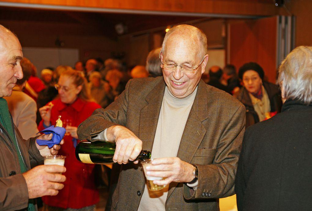 9 janvier 2011. Rendez vous festif : concert et partage de la galette des rois pour les voeux de la paroisse.