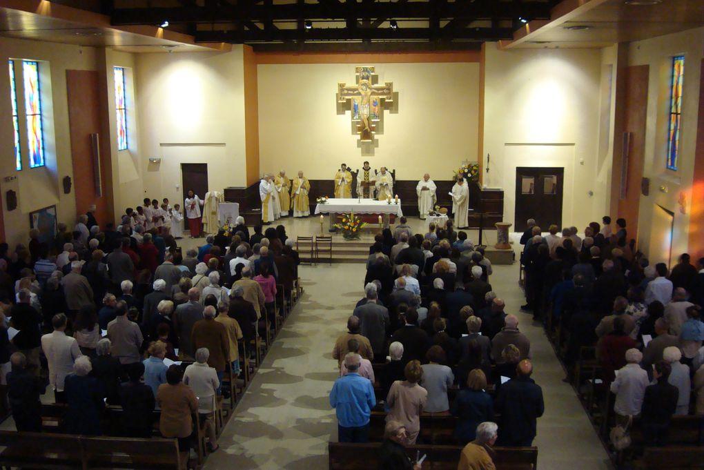 21 avril 2011. Début du Triduum Pascal dans la paroisse au Sacré-Coeur du Prado.