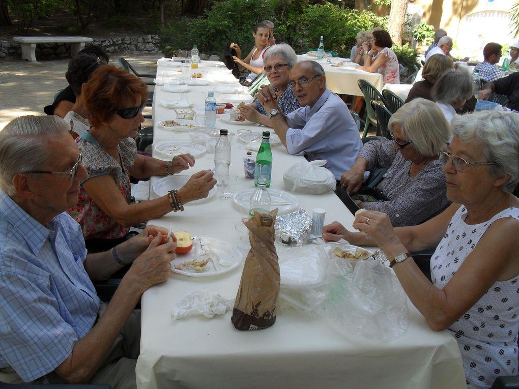 11 septembre 2011. Rentrée de la paroisse à ND des Pins, pique nique et célébration.