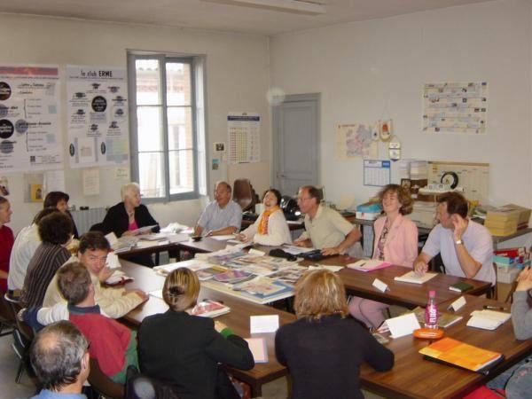 Un ensemble de photos repr&eacute&#x3B;sentant les r&eacute&#x3B;unions de travail du Club ERME.