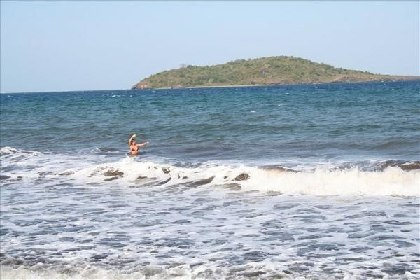 <p>Journée Plage avec Amandine et Alexandre... Des alizés pour les vagues et des sourires d'Emma à la péle...</p><p></p>