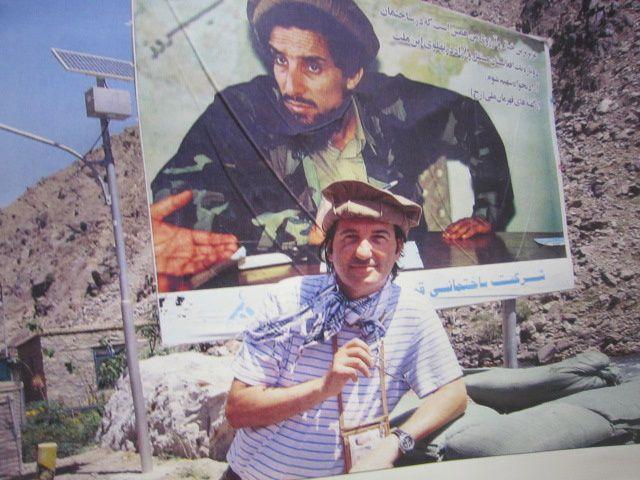 Voici quelques photos d'un grand ami, boaz , ancien journaliste à Paris pour un grand quotidien israélien, ancien ambassadeur d'israel en Mauritanie, et éditorialiste du journal Israelhayom aujourd'hui, en plus d'être conférencier au cours de no