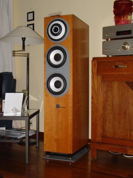 <p>Mon install perso :</p><p>Composition :</p><p>Ampli Denon PMA-S1</p><p>Lecteur CD Denon DCD-S1 et Sony CDP-XA50ES</p><p>HP Cabasse Pacific 600 Evolution</p>