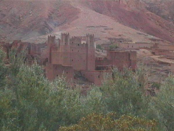 """<span style=""""font-weight: bold&#x3B;"""">Photos prises par JCG au sud-Maroc à la Toussaint 2006. Il a plu au Dadès et au Todra comme jamais depuis 41 ans. D'où les quelques images montrées par les vidéos.</span>"""
