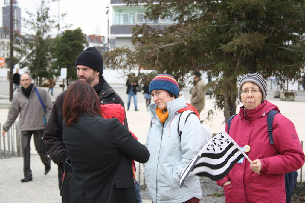 Quelques vues du rassemblement pour la réunification organisé à à Nantes le 27 février 2010.