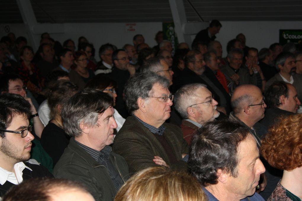 """Vues de la première réunion publique de campagne d'EE pour les """"Pays de la Loire"""", à l'ancienne Manu de Nantes, le 30 janvier 2010."""
