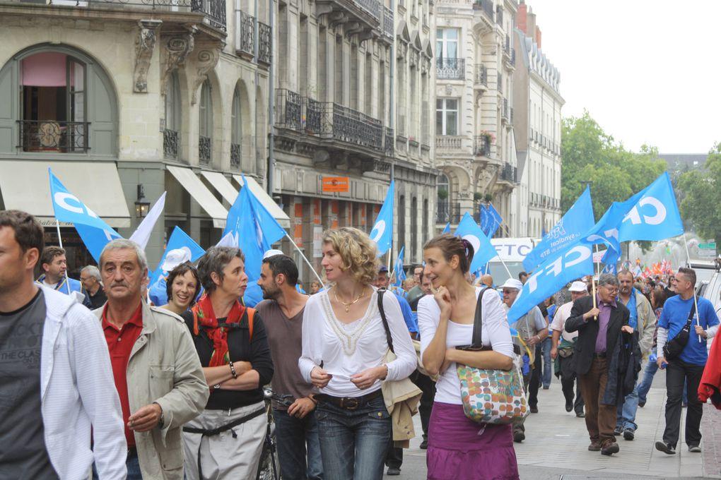 Vues de la manifestation du 23 setembre 2010 pour l'emploi et les retraites, à Nantes.
