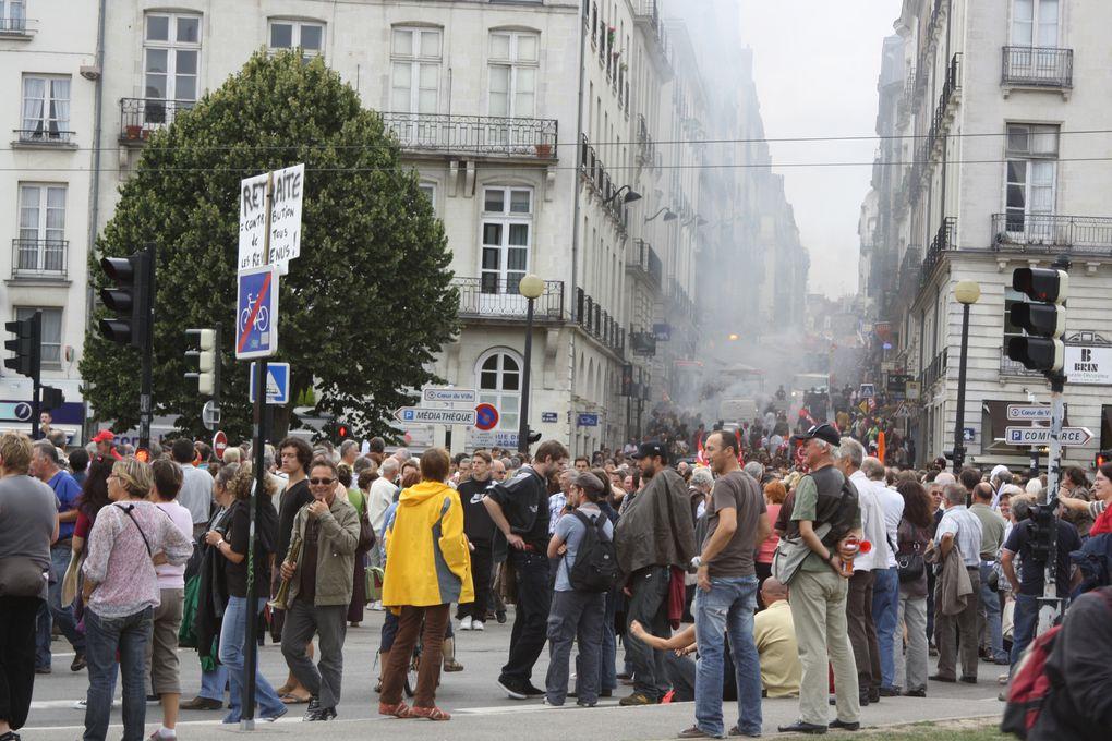 Vues de la manifestations - impressionnantes - du 7 septembre 2010 à Nantes pour l'emploi et les retraites.