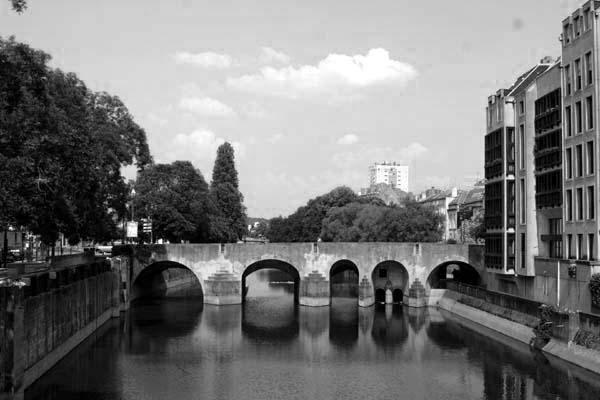 <p>La ville de Metz en noir et blanc</p><p>&nbsp&#x3B;</p>