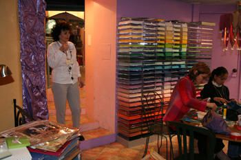<p>quleques photos de notre premiere crooping party &agrave&#x3B; Grasse : 1er avril 2005</p><p>le challenge, les ateliers, le dejeuner, quelques filles, l'arriv&eacute&#x3B;e des enfants et des hommes pour l'ap&eacute&#x3B;ro ...</p><p>&nbsp&#x3B;</p>