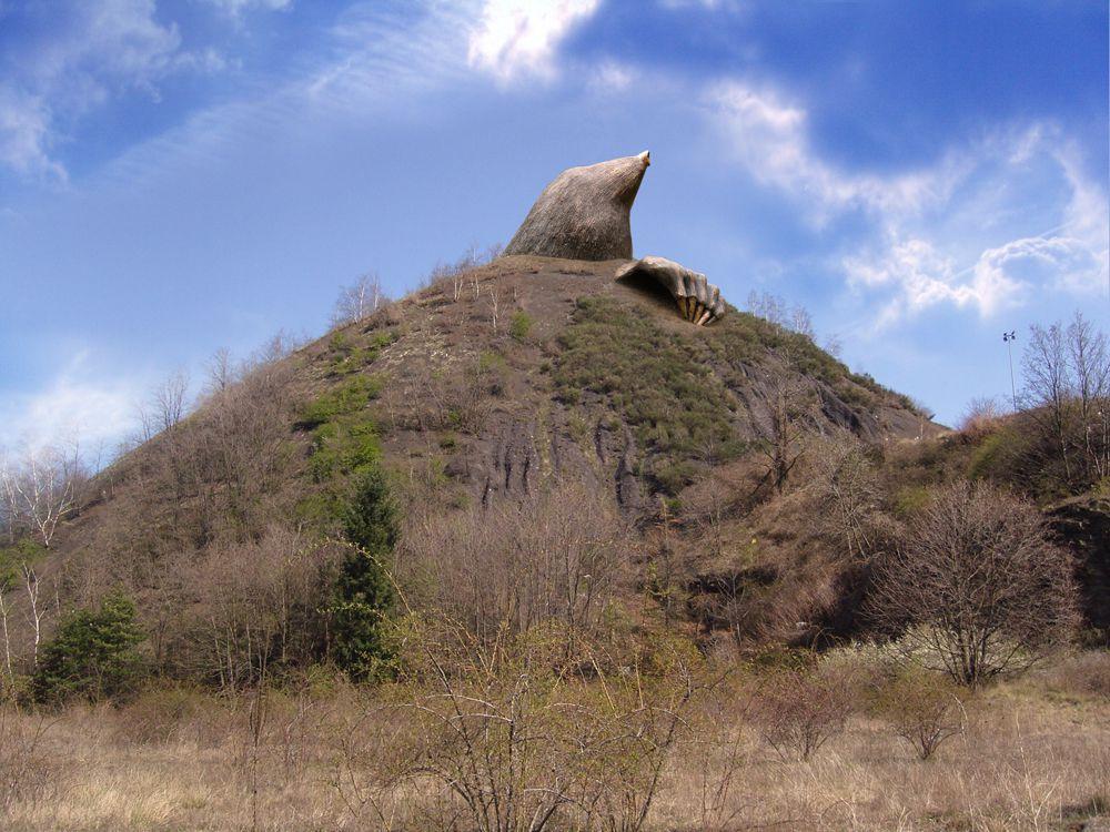 Projet monumental pour les crassiers stéphanoisGhyslain Bertholon (2005-20XX)
