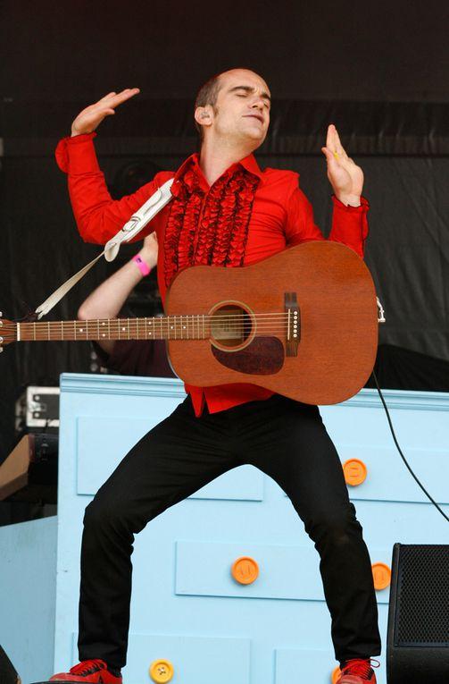 21 juin 2009 concert au chateau de Vincennes et a Denfert Rochereau (paris)avec Aldebert, Exonvaldes, lisa Ekdahl, Emily Loizeau, Alexis HK, Renan Luce, Sanseverino