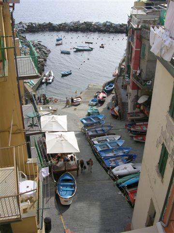 Juste après Gênes en italie 5 petits villages qui se jettent dans la mer