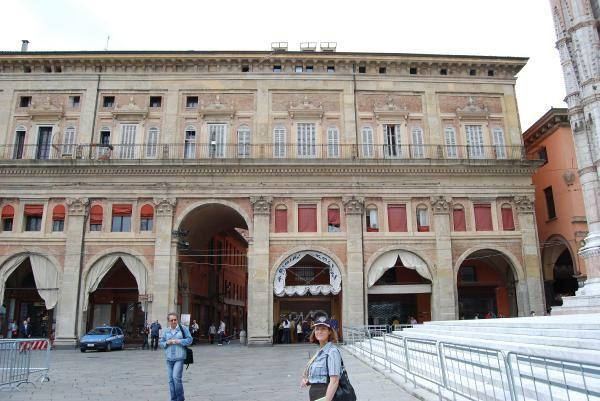 Bologne, ItaliePhotos et dessins: ©Emmanuel CRIVAT 2008Références pour stratégies de développement durable
