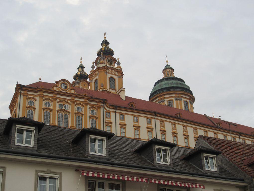 L'abbaye bénédictine de Melk (Basse-Autriche). Située dans la région de la Wachau, elle surplombe la ville de Melk, et le Danube. Fondée au XIe siècle.Photos: Mariela et Emmanuel CRIVAT-IONESCO ©M.etEm presse (2007-2014)