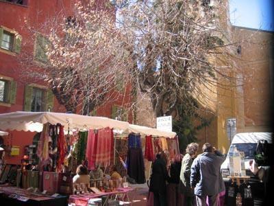 D&eacute&#x3B;couvrir quelques magasins dans la vielle ville