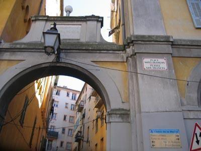 Ballade dans les rues du vieux Nice