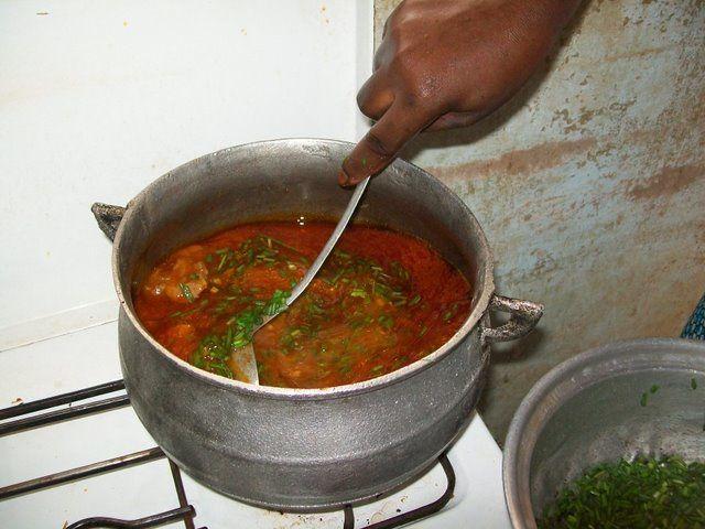mes premiers cours de vraie cuisine africaine.Suivez avec moi les recettes