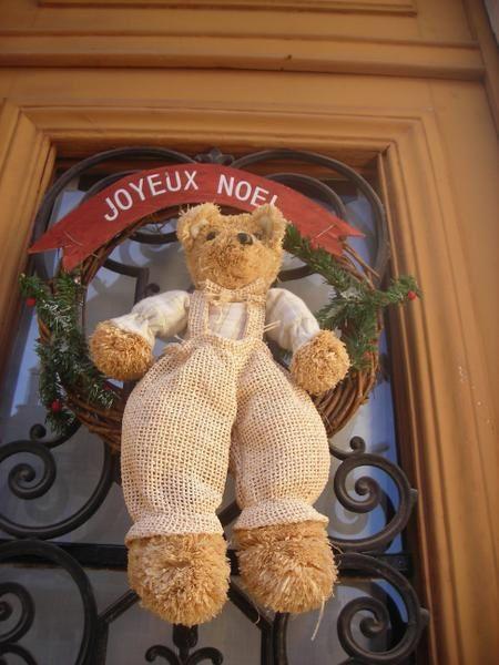 décoration, marché de Noel, tout appel à la joie de célébrer la fin de l'année.