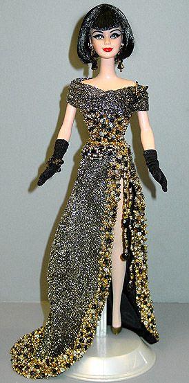 <p>Voici les Barbies que je collectionne.</p><p>Mes chinoiseries sont au complet, j'ajouterai au fil des articles mes Ferrari et mes Princesses du Monde. A suivre....</p>
