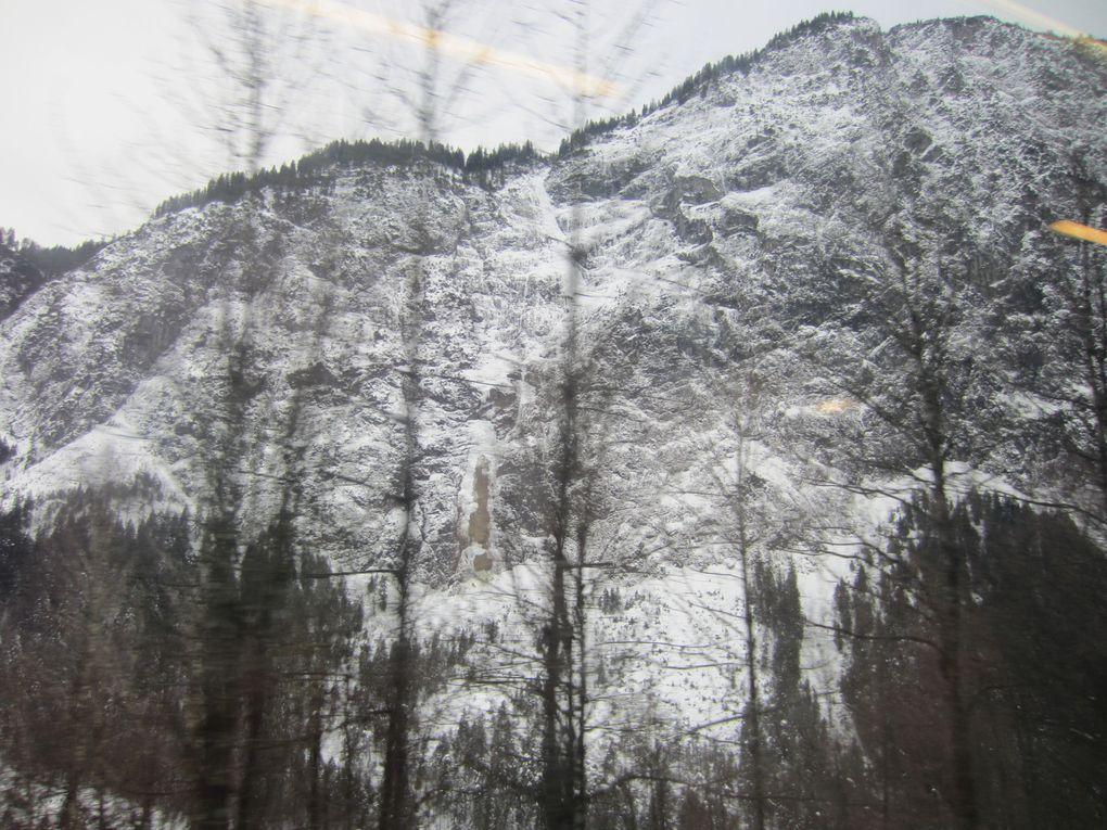 Railjet, Österreichische BundesbahnenLe Tyrol autrichien, l'ArlbergPhotos: EmMa (M. et Em. presse)