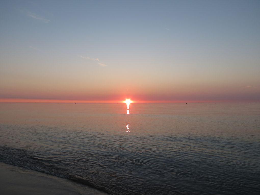 Lever de soleil sur la Mer Méditerranée, à Canet Plage, le 9 août 2014.Photos: EmMa, M. et Em. presse