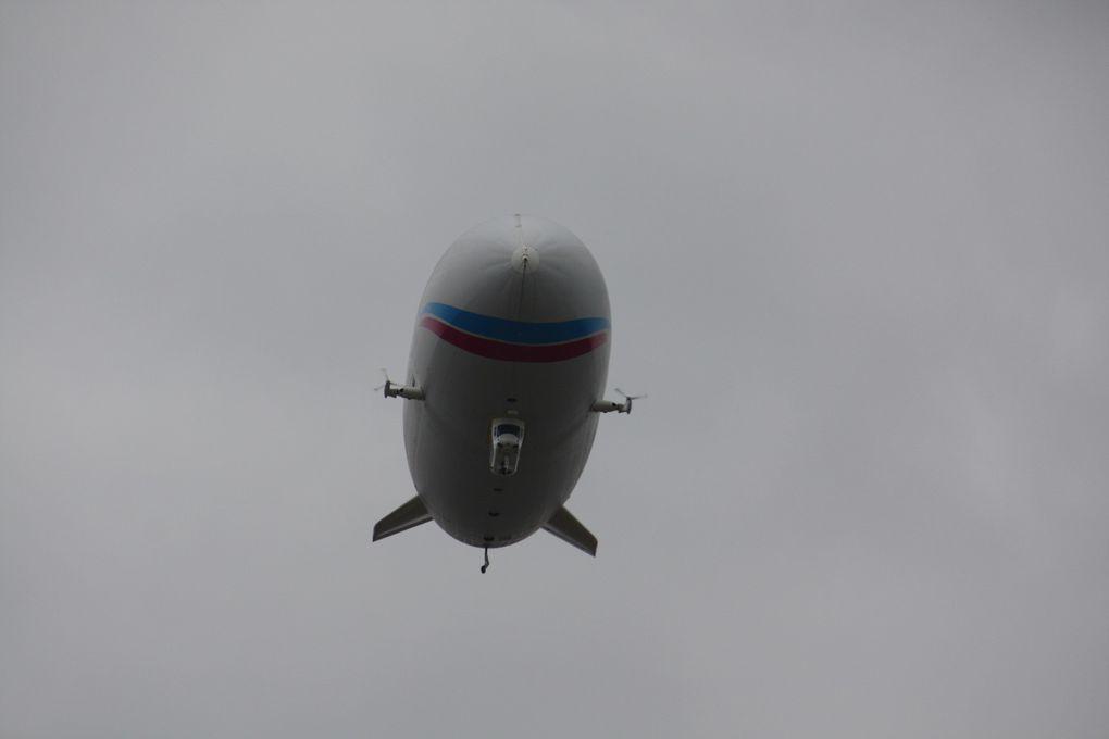 Du 12 au 20 mars 2011, un ballon dirigeable, affrété par Airshipvision, survolera Paris à basse altitude...Photo: E. CRIVAT (13/03/2001)
