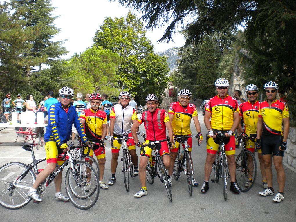 au départ devant la mairie de Roquebrune Cap Martin