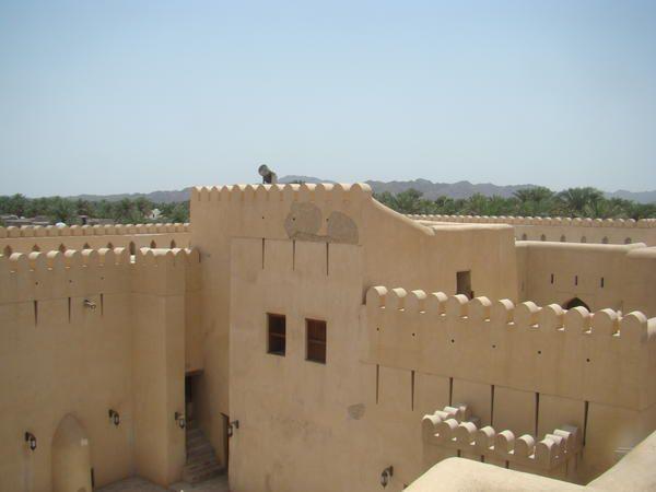 193 photos pour ce second album de notre séjour à Oman. Vous y trouverez des photos des lieux suivants : Jebel Shams,Misfah,Nizwa,Tanuf,Mahmur,Bahla,Dibad,Qalhat,Sur,Désert du Wahiba,Wadi Bani Khalid,