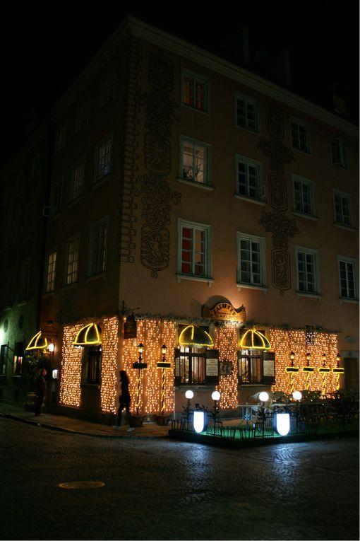 Cet album présente les villes de Cracovie, Lublin, Kamień, Kazimierz dolny et Varsovie