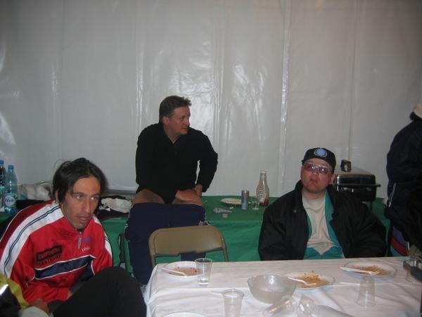 <p><em>Receuil de photos de la No Finish Line 2005 et&nbsp&#x3B;2006&nbsp&#x3B;.Ont contribu&eacute&#x3B; &agrave&#x3B; ces photos&nbsp&#x3B;: R&egrave&#x3B;my Bainvel , Alain&nbsp&#x3B; </em><em>Champion</em></p>