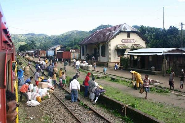 Antananarivo / Tamatave, by train, juillet 2005.