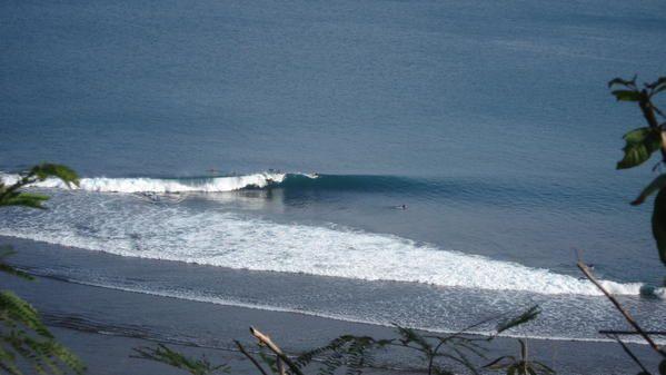 Presque trois semaines &agrave&#x3B; Bali, petite &icirc&#x3B;le de l'archipel indon&eacute&#x3B;sien. Le but du voayage &eacute&#x3B;tait le surf, je n'ai pas &eacute&#x3B;t&eacute&#x3B; d&eacute&#x3B;&ccedil&#x3B;u..