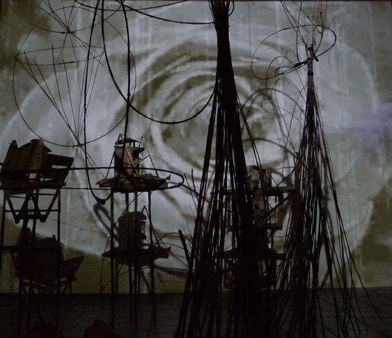 art vidéo, installation artistique avec exposition d'art vidéo. Art  et culture numérique, plasticien vidéaste, image digitale et film dans des installations arts visuels et art contemporain et performance