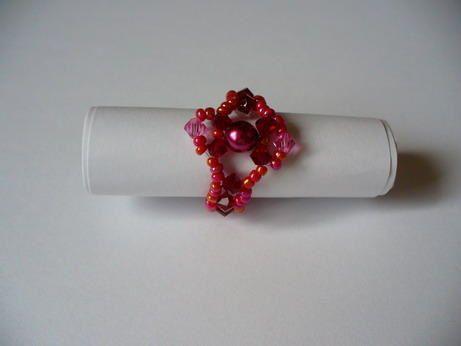 Voici les r&eacute&#x3B;alisations de ma Mamie en perles qu'elle m'a offertes.<br />Merci Mamie!