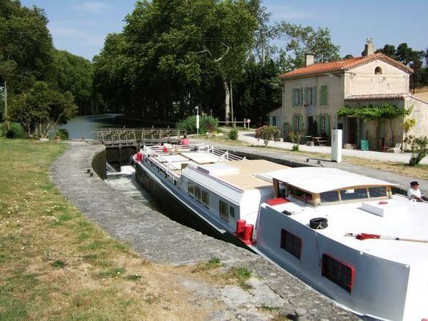Chemin de halage parcouru en vélo, de Castelnaudary  à Agde....