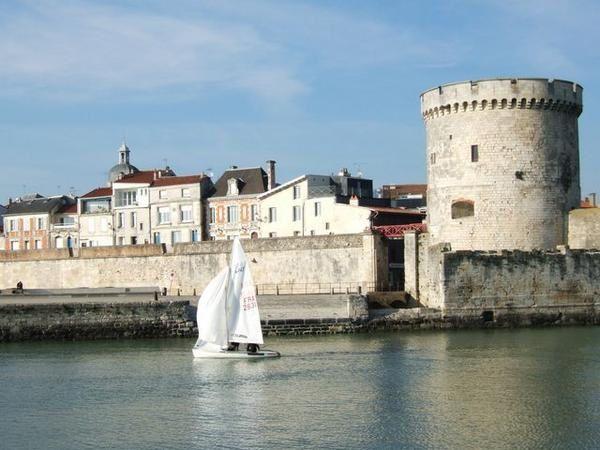 "<span style=""font-weight: bold&#x3B; font-style: italic&#x3B;"">Une idée de la Rochelle ....</span>"