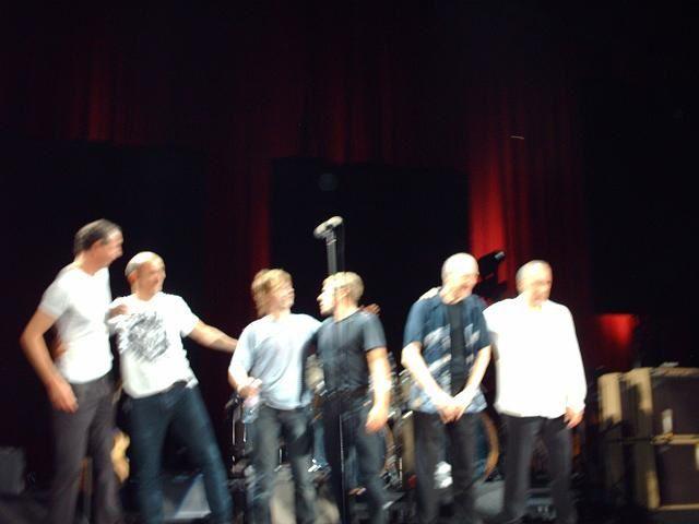 Mes photos du concert, j'étais dans la fosse devant Roger, une personne était devant moi.