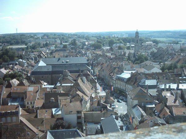Pour l'instant, photos de la ville lorraine où je passe toute mes vacances ou presque, et d'autres (dont Quéribus,Port Leucate et Carcassonne !). Rajout de photos d'Etretat (Aout 2005)  et de Langres (Aout 2006), Nancy (Avril 2007)
