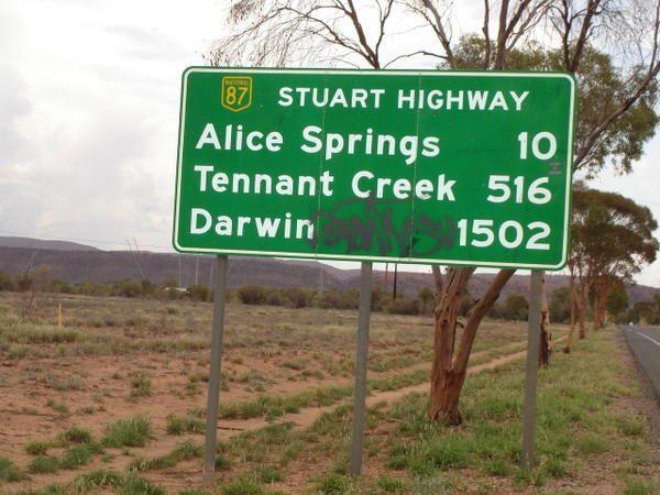 <p>AUSTRALIE: <br />1) La cote Ouest, de MArgaret River a Monkey Mia, en passant par Perth. <br />2) Le centre de l'Australie, autour d'Alice Springs.<br />3) Cairns, sur la cote est paradis tropical. <br />4) Sydney et les Blue Mountains.<br />NOUVE
