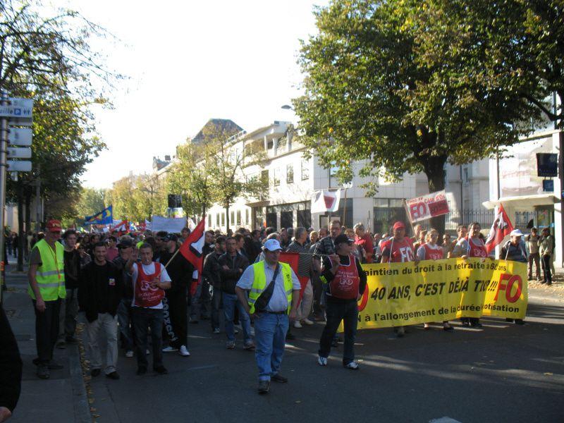 TRES TRES FORTE PARTICIPATION à A DIJON CETTE APRES MIDILa mobilisation a été très forte ce matin dans les rues de Dijon