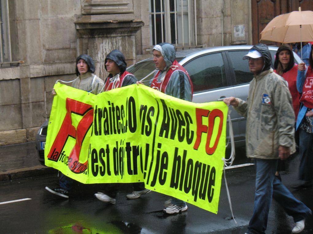 NON au Passage de 60 à 62 ans,   et 65 à 67 ans, et plus de 40 ans de cotisation.       40 ans, c'est déjà trop, RETRAIT du projet gouvernemental.    Le 7 Septembre 2010     TOUS en grève !