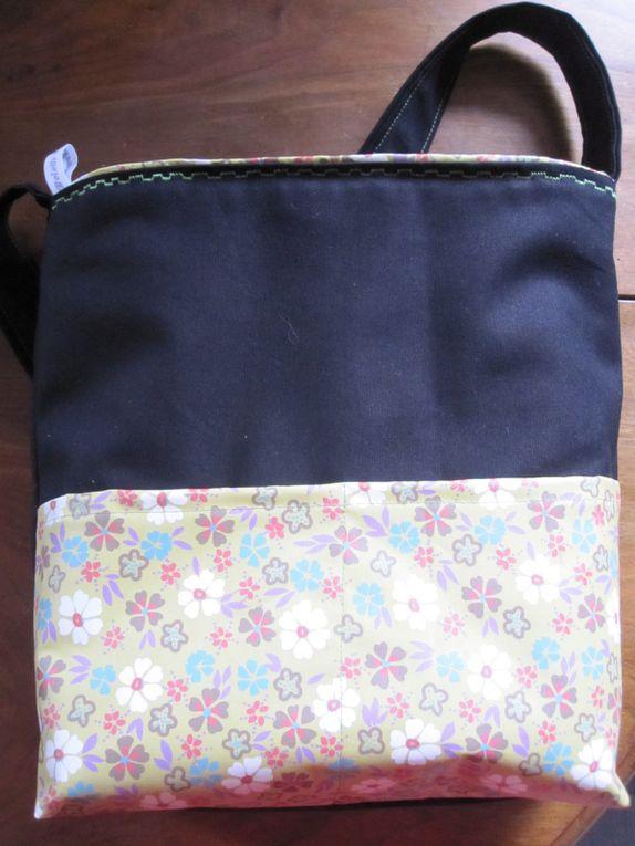 Pour vous donner un avant go&ucirc&#x3B;t de ce que je fais, voici les sacs 2005 et 2006.