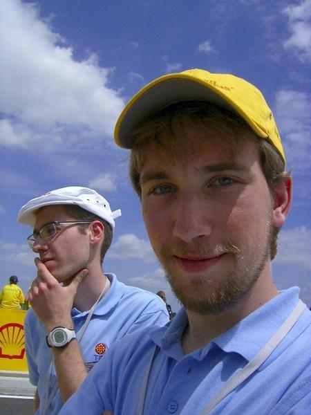 Photos de l'&eacute&#x3B;dition 2007 de l'European Shell Eco-Marathon.Cet album sera agrandi au fur et &agrave&#x3B; mesure de la r&eacute&#x3B;cup&eacute&#x3B;ration des photos des diff&eacute&#x3B;rents membres de l'&eacute&#x3B;quipe.- Retour au sommaire -